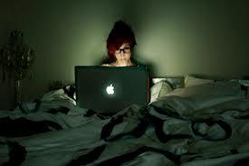 Работа в ночную смену увеличивает риск рака яичников у женщин