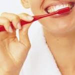 Беременные должны тщательно чистить зубы