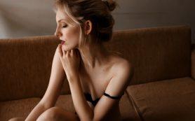 Ролевые игры в спальне: девушка по вызову