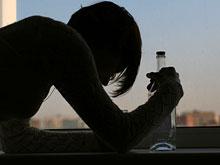 Поведение выпивающей матери сказывается на пристрастии к алкоголю ее ребенка