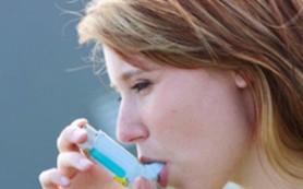 Как астма связана с менструальным циклом?
