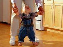 Более высокая скорость передвижения заставляет детей учиться ходить