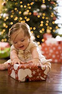 Новогодний подарок 2013 ребенку: выбираем по возрасту