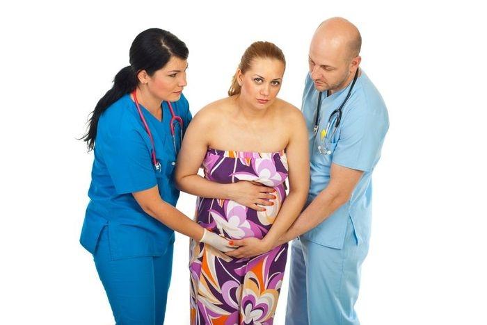 Схватки: самые эффективные положения во время родов