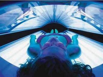 Посетителям американских соляриев предложат регулярно проверяться на рак