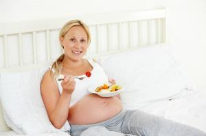 Продукты, от которых надо отказаться беременным