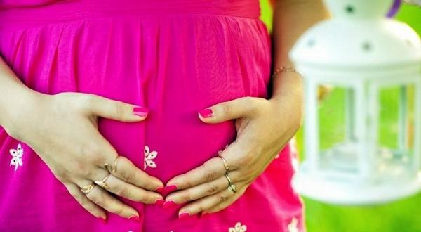 На каком сроке беременность становится заметной