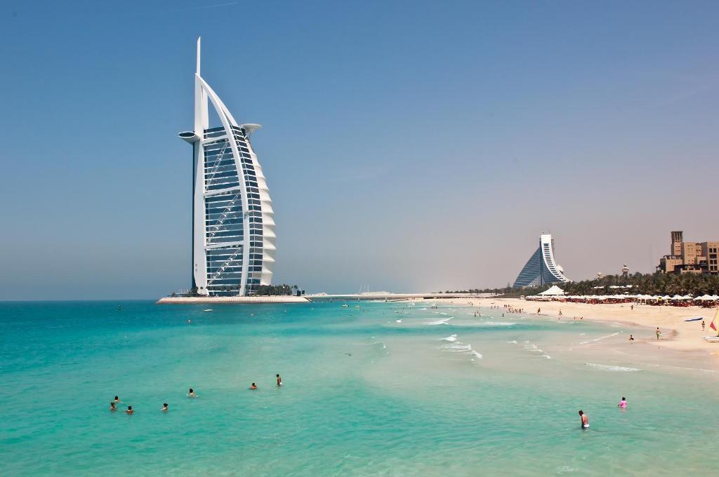 В чем преимущества туров в ОАЭ?