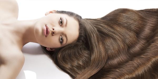 Как можно быстро вырастить волосы на голове в домашних условиях и в салоне