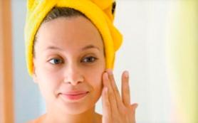 Как избавиться от морщин с помощью банановых масок для лица