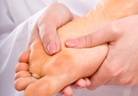 Грибок стопы,причины и способы лечения