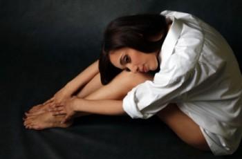 Болят колени после родов — причины и лечение