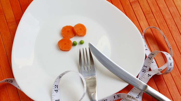 Чем голодание отличается от диеты? Труднее, но быстрее!