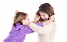 Агрессия у девочек-подростков: кто виноват, и что делать?