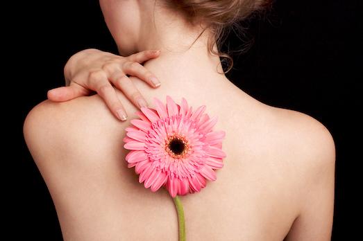 Причины появления и лечение прыщей на спине