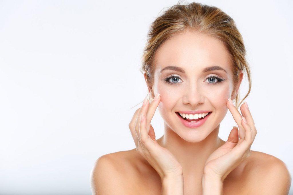 Как подготовить кожу к приходу зимы: осенние процедуры для лица и тела