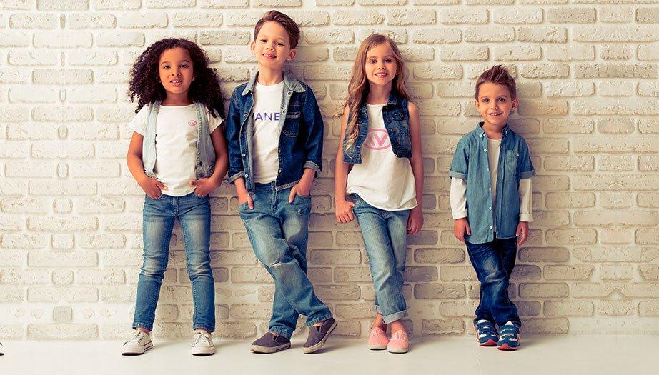 В чем выгода оптовых покупок в интернет магазине детской одежды