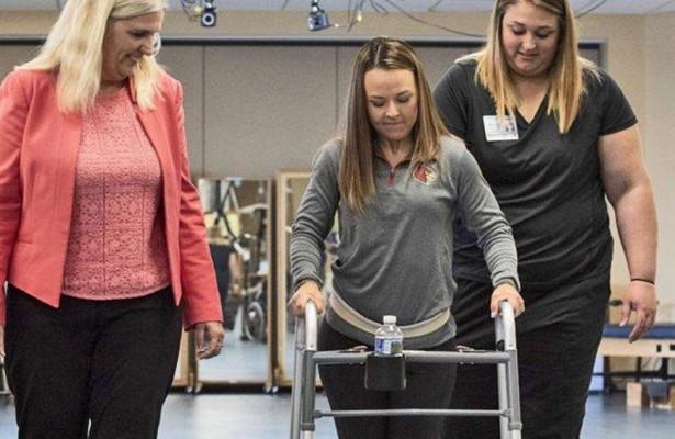 Имплантаты позволят парализованным людям ходить