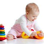 Как правильно выбирать деревянные игрушки ребенку, в соответствии с его возрастом и развитием?