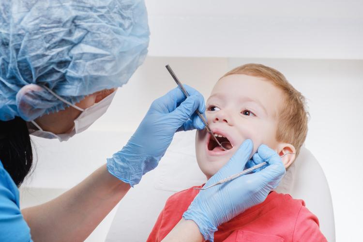 Как лечить пульпит молочных зубов