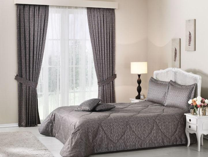 Покрывало в спальню: как выбрать