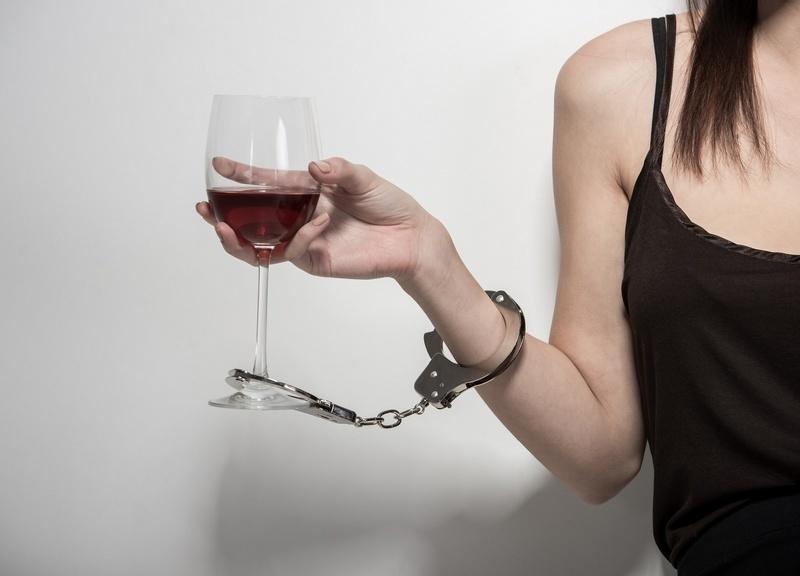 Особенности женского алкоголизма
