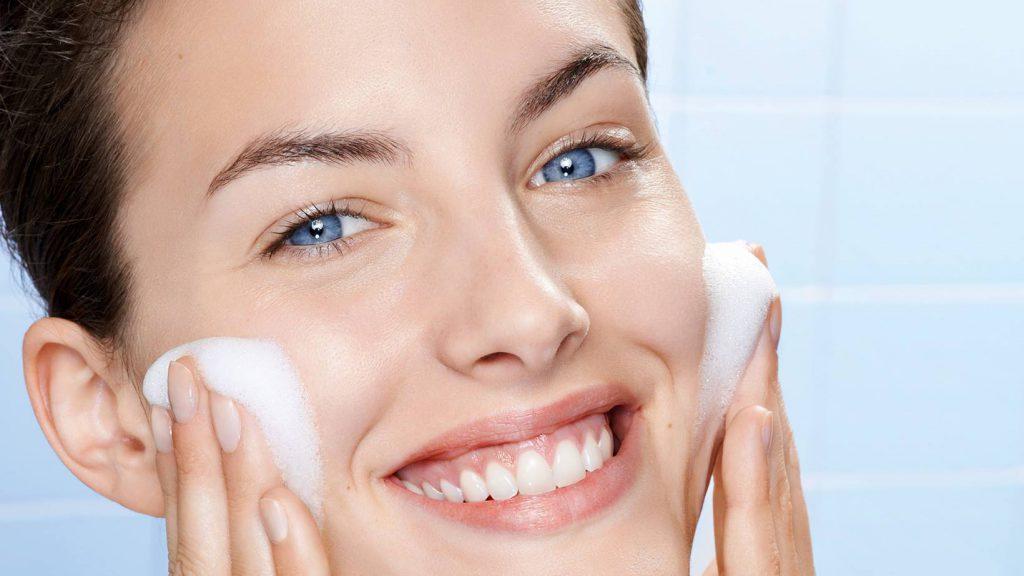Как ухаживать за сухой кожей лица. Ежедневные ритуалы