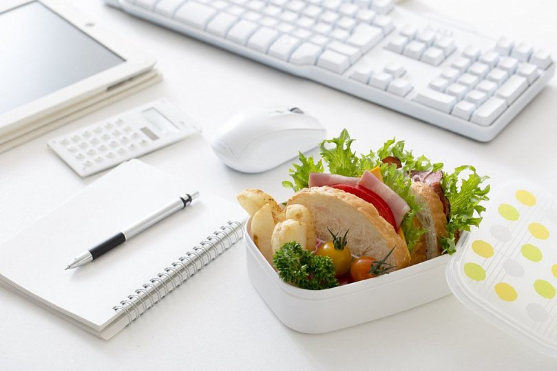 Несбалансированное питание офисных работников в бизнес-центре приводит к серьезным заболеваниям