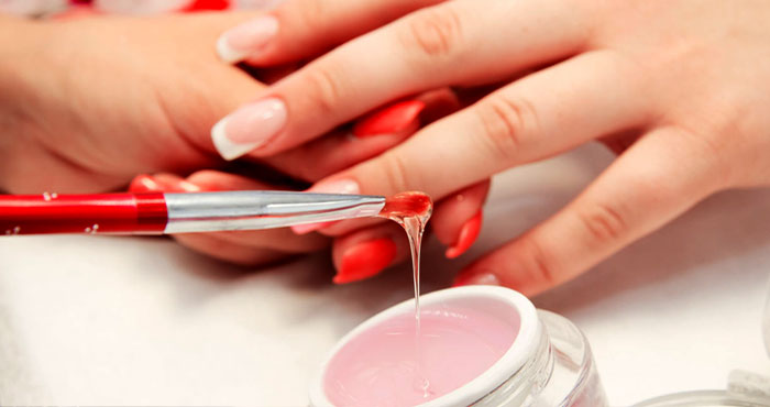 О наращивании ногтей гелем