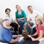 Разговорная терапия или лекарства: как помочь людям с депрессией