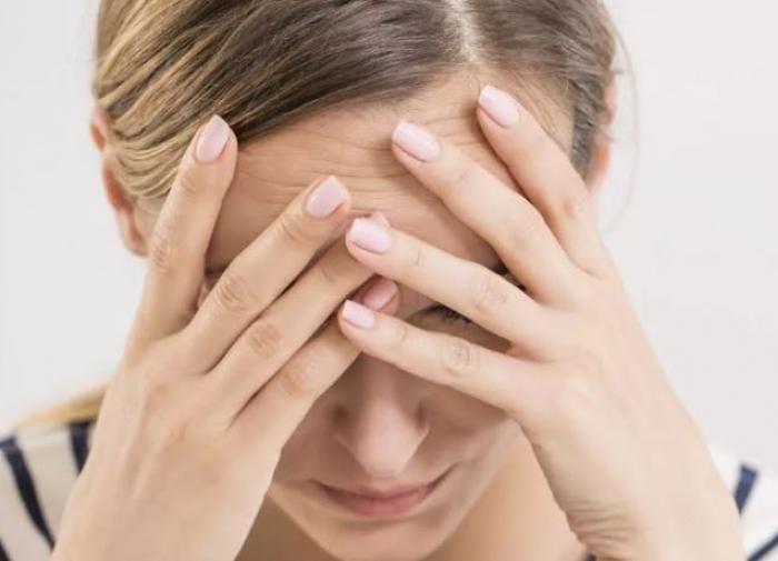 Невролог объяснил причины возникновения мигрени