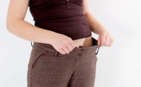 Почему во время ПМС женщины набирают вес