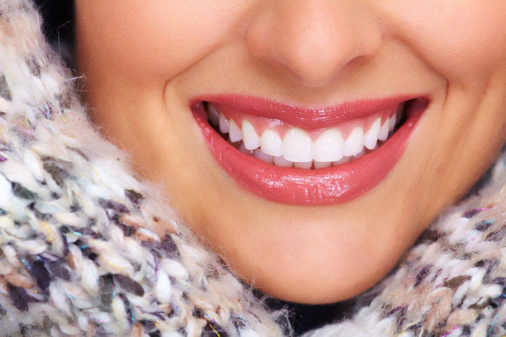 Процедура отбеливания зубов Zoom