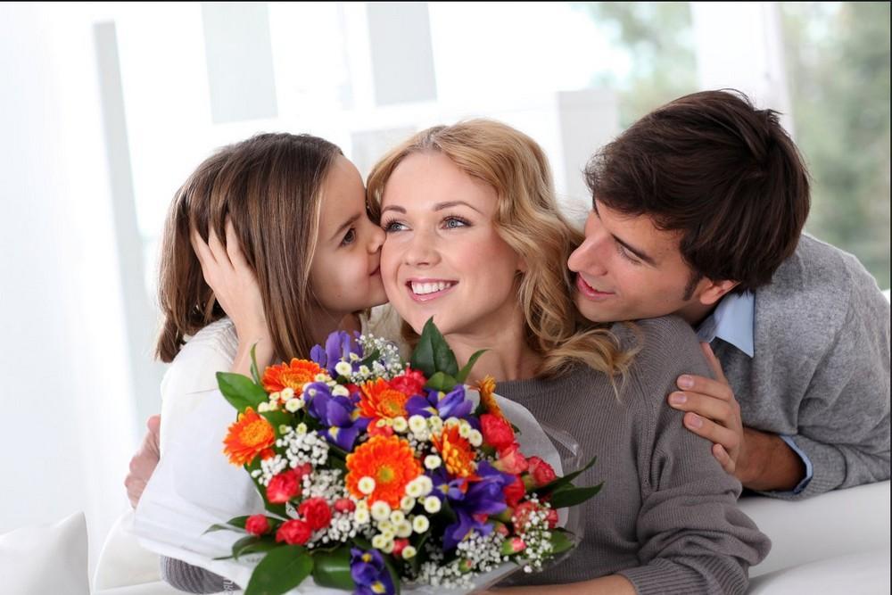 Особенности проведения Дня матери в РФ