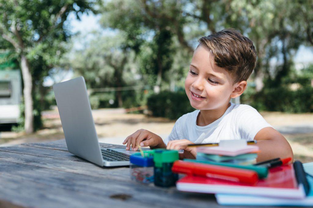 Выбор онлайн платформы для школьника