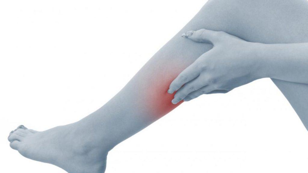 Судороги в ногах ночью: причины и лечение