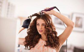 Как завить волосы плойкой?