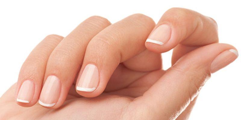Медики объяснили, о чем свидетельствуют белые пятна на ногтях