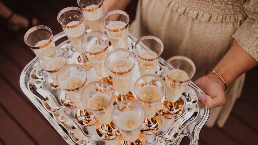 Пить или не пить: насколько рискованно мешать алкоголь с антибиотиками