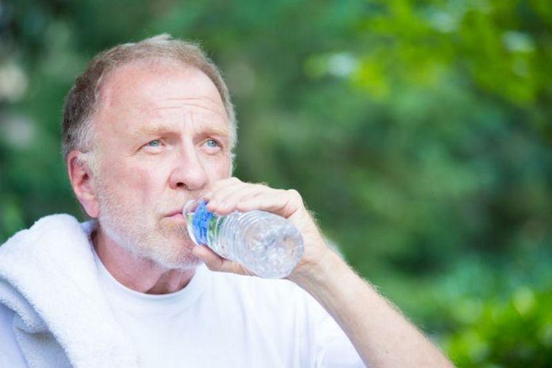 Как пережить жару людям пожилого возраста