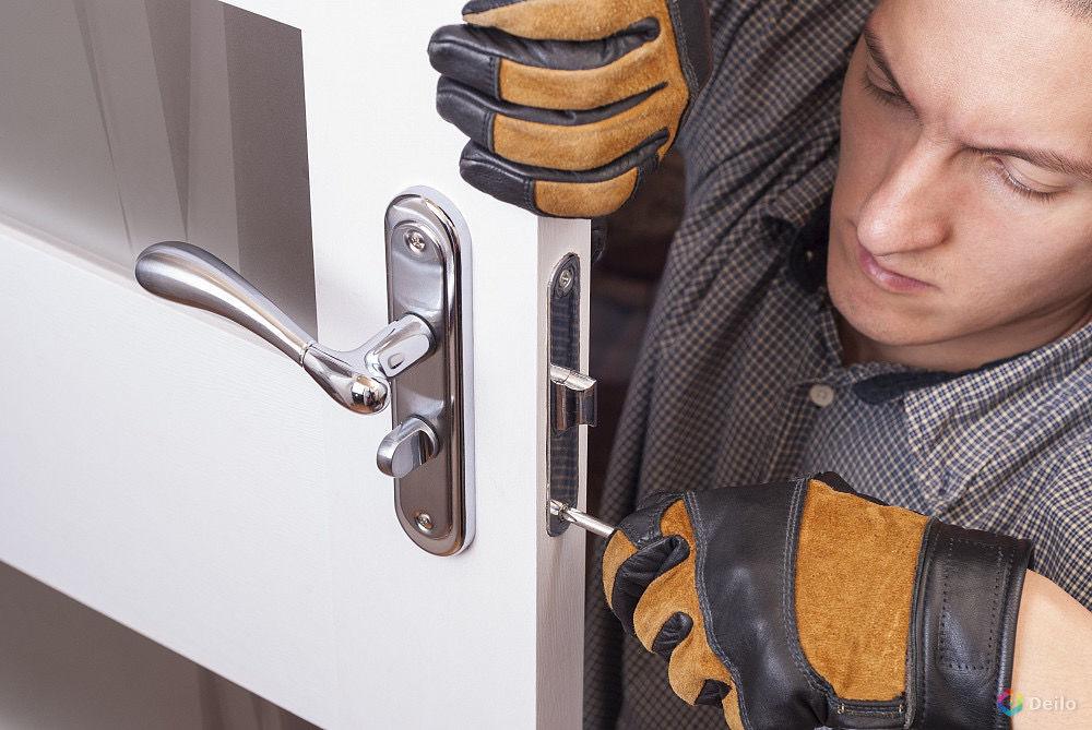 Услуги ремонта дверных замков