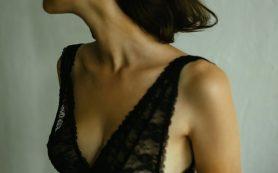 5 привычек, из-за которых обвисает грудь