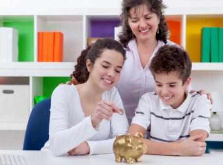 Семь ошибок родителей в обращении с деньгами